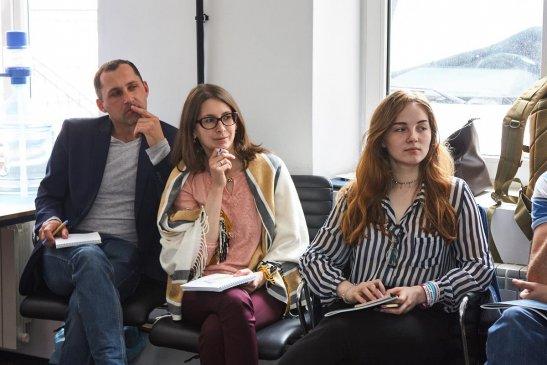 З лівого боку - Сергій та Ірина Ткаченко