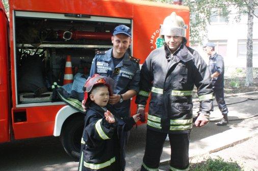 Рятувальники завітали до дітей з особливими потребами