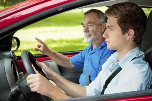 Інформація для роботодавців: Особливості трудових відносин із водіями