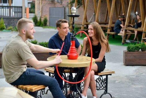 Пикник-дворик открылся в Кропивницком