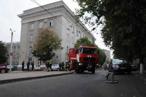 У будівлі міськради тренувалися рятувальники