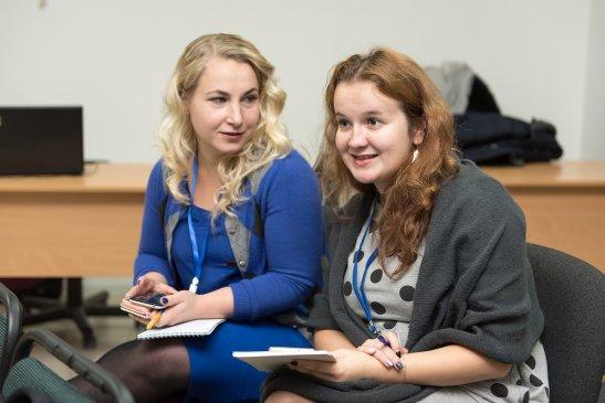 Учасниці тренінгу Юлія Бочарова-Туз та Олена Сінченко