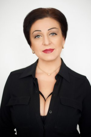 "Лика Кожа, редактор журнала ""ЛанруЖ"""