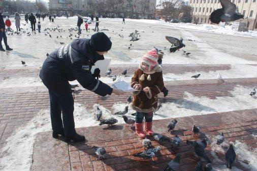 Рятувальники провели роз'яснювальну роботу на центральній площі міста