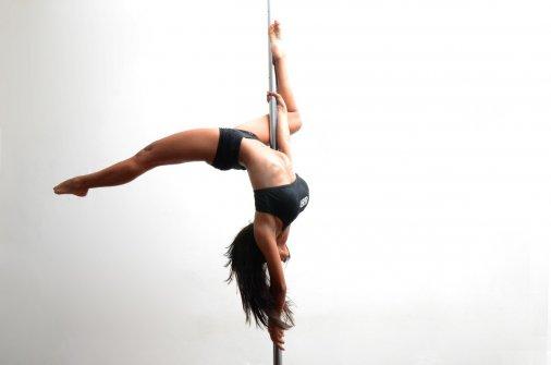 Pole dance - отличная альтернатива спортзалу