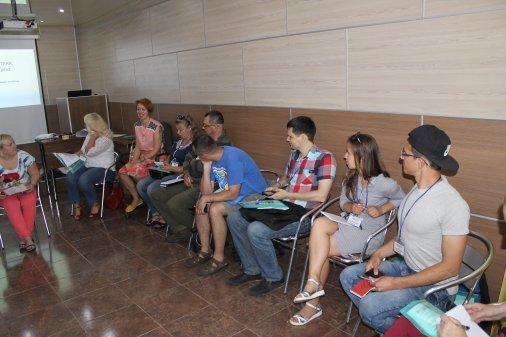 Підсилення голосів громад: на тренінгу у Дніпрі вчились працювати з інформацією за стандартами журналістики
