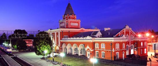 Залізничний вокзал в Чернігові - фото з сайту Chernihiv.post.net