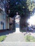 Пам'ятник Миколі Ватутіну, Полтава