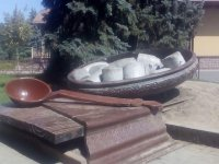 Пам'ятник полтавській галушці