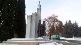 Пам'ятник князям Острожським