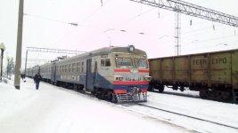 """електричка """"Олександрія - Помічна"""" на кінцевій станції"""