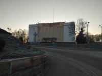 пам'ятник Тарасу Шевченко та будинок культури у місті Коростень