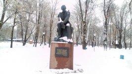 пам'ятник Тарасу Шевченко у місті Ніжин