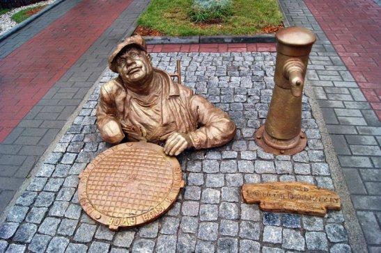 пам'ятник водопровіднику у Черкасах
