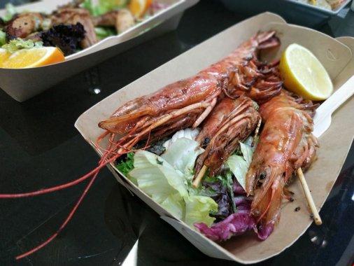 Жаб'ячі лапки, устриці, равлики і ще багато смачного: На вихідних фестиваль вуличної їжі