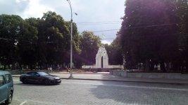 """фонтан-альтанка """"Дзеркальний струмінь"""" у місті Харків"""