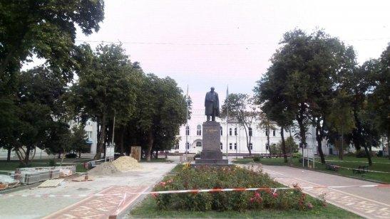 Пам'ятник Тарасу Шевченко, місто Суми