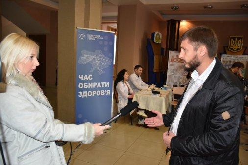 Студенти вимірювали жителям Кропивницького рівень глюкози в крові