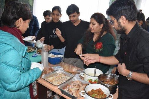 Майбутні медики влаштували благодійний фестиваль їжі