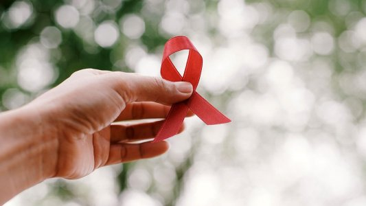 """""""Син не знає, що в нього ВІЛ. Батьки кажуть, що він приймає вітаміни"""""""