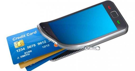 Українці стали активніше платити картами і цифровими гаманцями