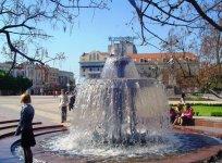 На площади в Кировограде расположены два фонтана