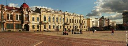 Вид на площадь - от улицы Дворцовой