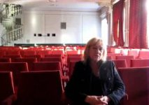 Руководитель театра - в зале