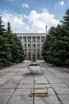 Памятник Нейгаузу у муз.школы