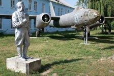 Монумент пілоту