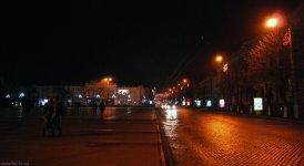 Улица Большая Перспективная ночью - вид с улицы Дзержинского и площади Кирова