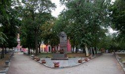 Памятник в 2017 - фото Зои Богдашовой