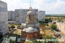 Процес будівництва храму